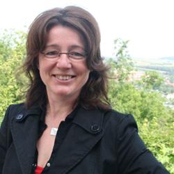 <b>Anett Böttger</b> | Journalistin | Görlitz | arbeitet für Nachrichten-agenturen, <b>...</b> - Anett